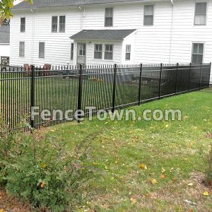 5 Foot Tall Wrought Iron Fence And Gate Used As A Garden Enclosure Aluminum Fence Iron Fence Wrought Iron Fences